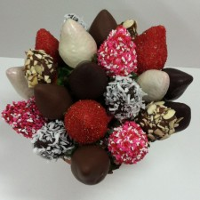 Berrylicious Sweetheart Sampler Bouquet